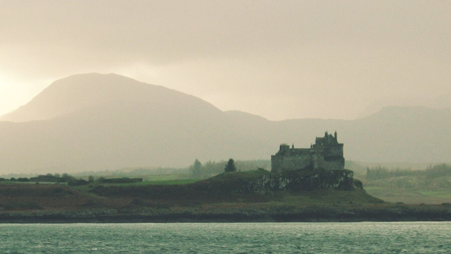 Scottish movie locations you can get married in - Duart Castle - Entrapment